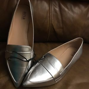 Size 9.5 silver A.N.A flats shoes NEW without tags